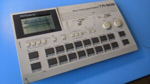 Roland TR-505 – Power Connector Repair & Refurbisment